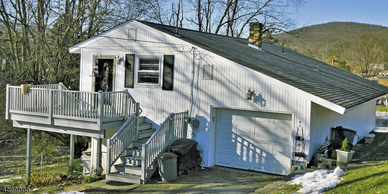 Частный односемейный дом для того Продажа на 25 IVY Place Vernon, Нью-Джерси 07418 Соединенные Штаты
