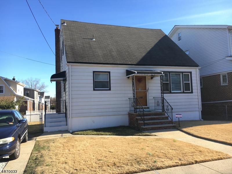 Многосемейный дом для того Продажа на 90 RUTHERFORD Place North Arlington, Нью-Джерси 07031 Соединенные Штаты