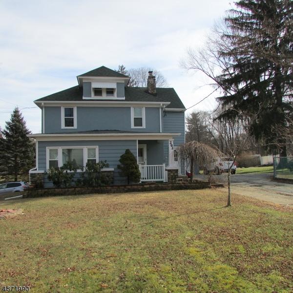 Vivienda unifamiliar por un Alquiler en 292 BERKSHIRE VALLEY Road Roxbury Township, Nueva Jersey 07885 Estados Unidos