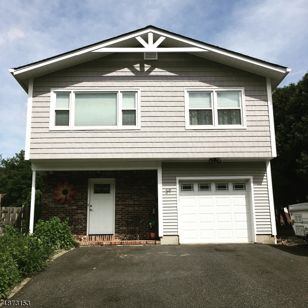Single Family Home for Sale at 39 WILLIAM Street Mine Hill, New Jersey 07803 United States
