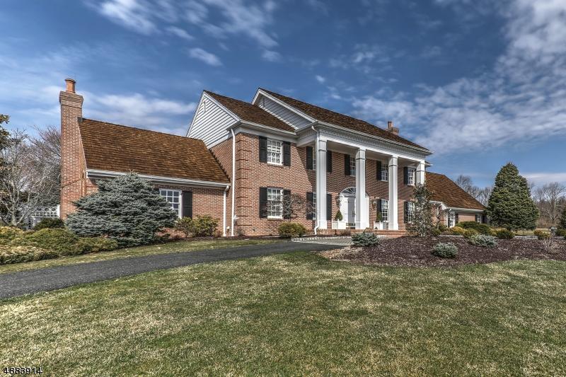 Villa per Vendita alle ore 73 PEQUEST Road Green Township, New Jersey 07879 Stati Uniti