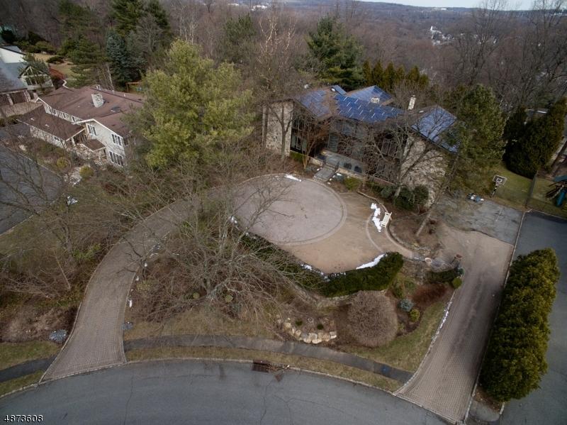 Частный односемейный дом для того Продажа на 30 FAWN Drive Livingston, Нью-Джерси 07039 Соединенные Штаты