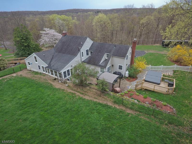 Частный односемейный дом для того Продажа на 253 LACKAWANNA Drive Byram Township, Нью-Джерси 07821 Соединенные Штаты
