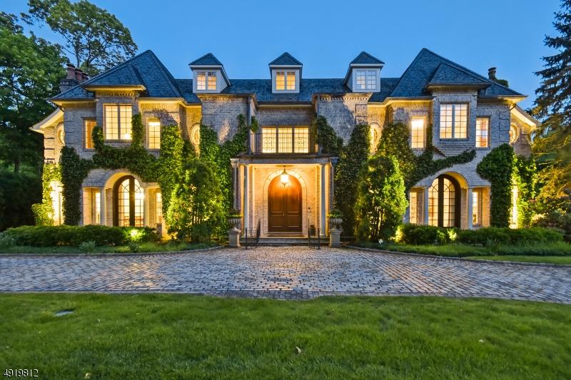 Single Family Homes pour l Vente à Essex Fells, New Jersey 07021 États-Unis