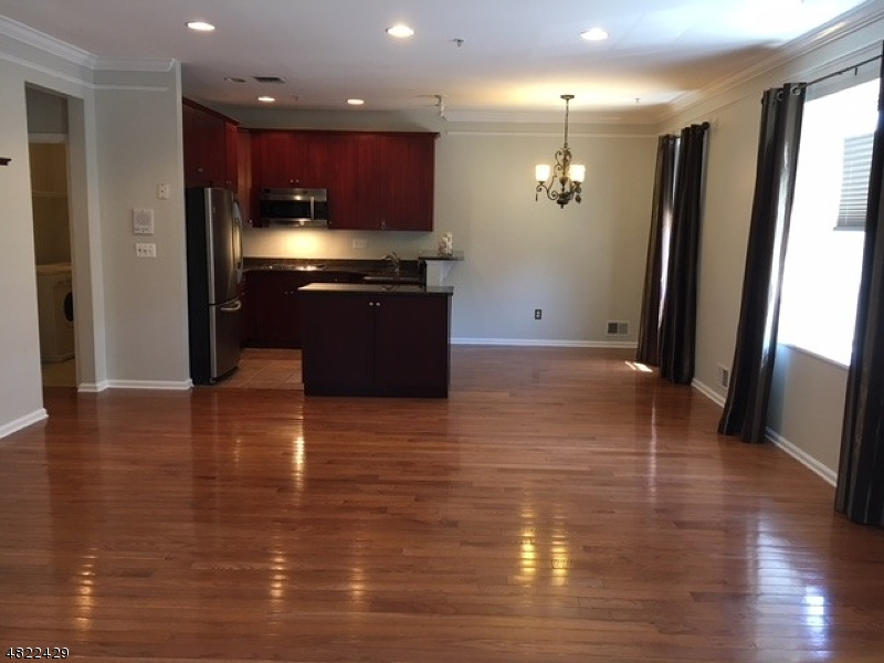 Condo / Townhouse for Rent at Clifton, New Jersey 07013 United States