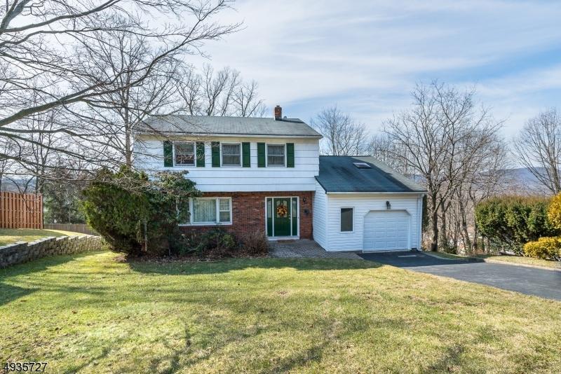 Single Family Homes للـ Sale في Wanaque, New Jersey 07465 United States