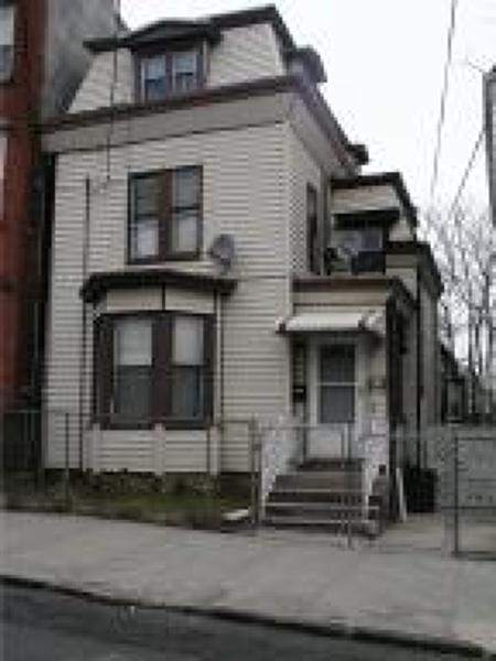 Многосемейный дом для того Продажа на 149 4TH Avenue Newark, Нью-Джерси 07107 Соединенные Штаты