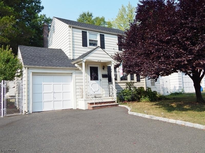 Casa Unifamiliar por un Venta en 400 Sherwood Road Union, Nueva Jersey 07083 Estados Unidos