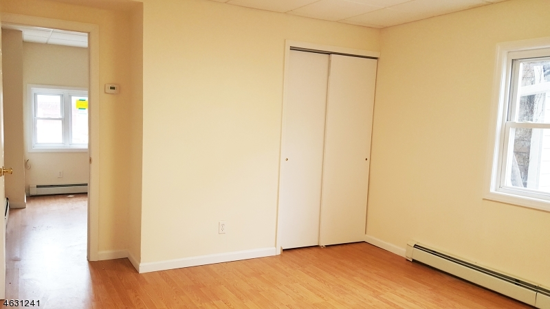 Additional photo for property listing at 10 S Fifth Street  Elizabeth, Nueva Jersey 07206 Estados Unidos