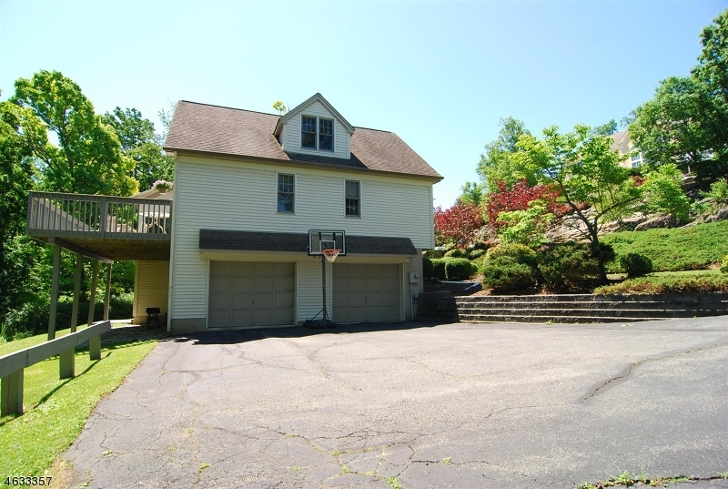 Additional photo for property listing at 68 Mallard Drive  Hackettstown, New Jersey 07840 United States
