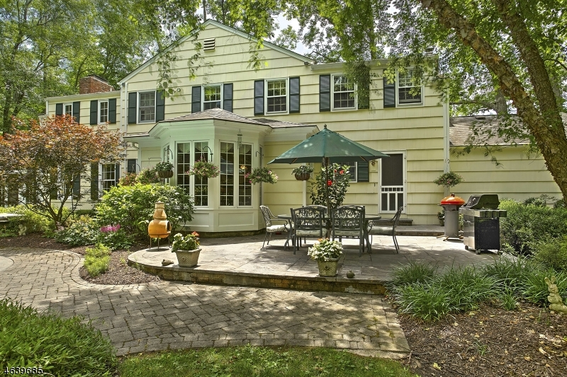 Additional photo for property listing at 64 Lowery Lane  Mendham, New Jersey 07945 États-Unis
