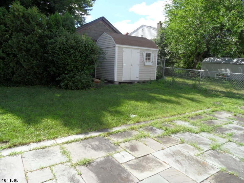 Additional photo for property listing at 63 Dacotah Avenue  Lake Hiawatha, 新泽西州 07034 美国