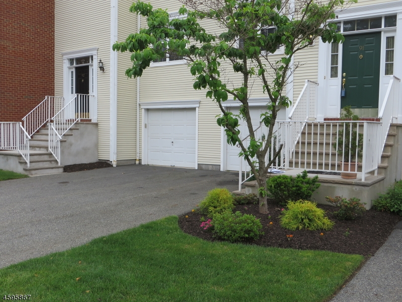 Additional photo for property listing at 91 Washington Court  Towaco, New Jersey 07082 États-Unis