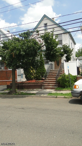 Additional photo for property listing at 168 Randolph Street  Passaic, 新泽西州 07055 美国