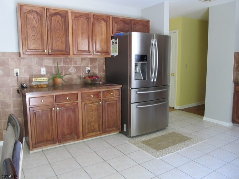 Additional photo for property listing at 107 Continental Road  West Milford, New Jersey 07480 États-Unis