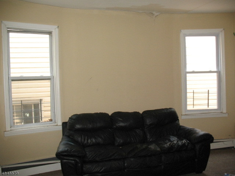 Additional photo for property listing at 205 N 15th Street  East Orange, 新泽西州 07017 美国