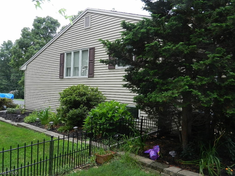 Additional photo for property listing at 116 Timothy Place  Bridgewater, Nueva Jersey 08807 Estados Unidos