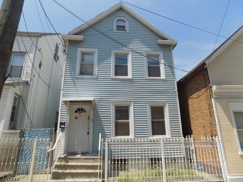 Additional photo for property listing at 423 1st Avenue  Elizabeth, New Jersey 07206 États-Unis