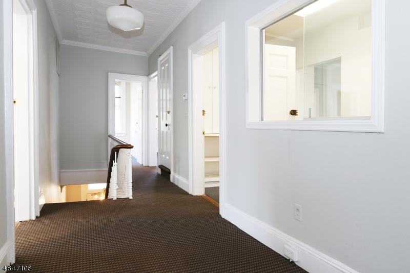 Additional photo for property listing at 206 206 Claremont Avenue  Montclair, Нью-Джерси 07042 Соединенные Штаты