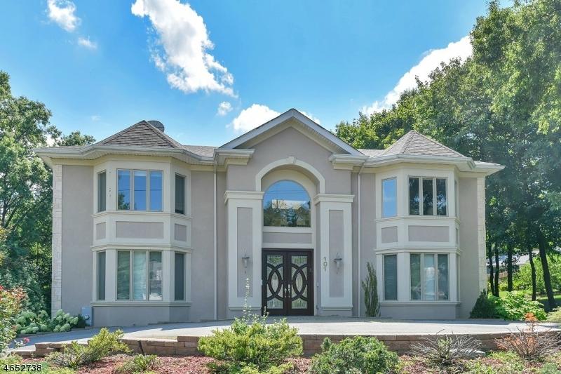 Casa Unifamiliar por un Venta en 101 Mary Ann Lane Wyckoff, Nueva Jersey 07481 Estados Unidos