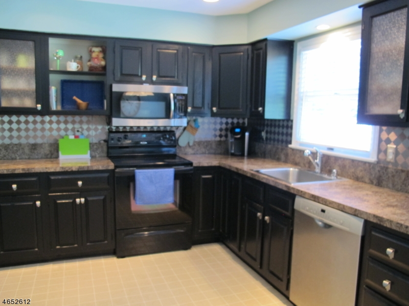 Additional photo for property listing at 85 Lake Pochung Road  Sussex, New Jersey 07461 États-Unis