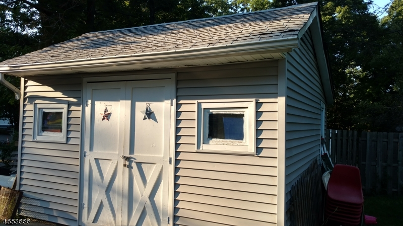Additional photo for property listing at 10 Maine Road  Hewitt, New Jersey 07421 États-Unis