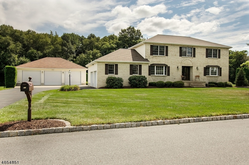 Single Family Home for Sale at 53 Highland Road Hackettstown, New Jersey 07840 United States