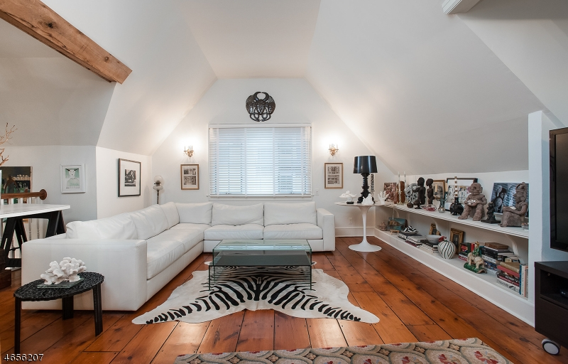 独户住宅 为 销售 在 51 N Mountain Avenue 蒙特克莱尔, 新泽西州 07042 美国