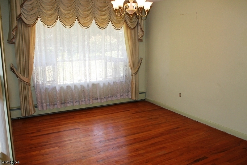 Additional photo for property listing at 3 Kinnaman Avenue  Washington, New Jersey 07882 États-Unis