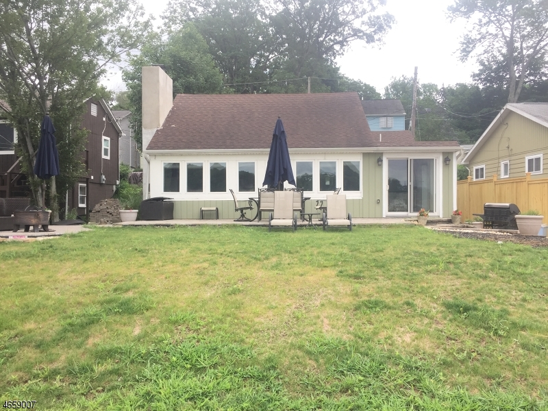 Additional photo for property listing at 20 McNabb Road  Lake Hopatcong, 新泽西州 07849 美国