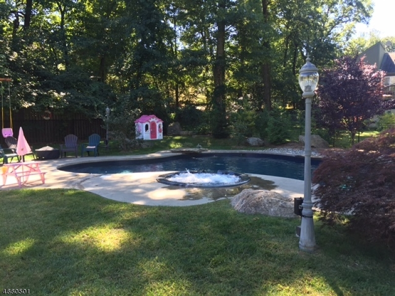 Additional photo for property listing at 14 Summer Tree Run  Sparta, New Jersey 07871 États-Unis