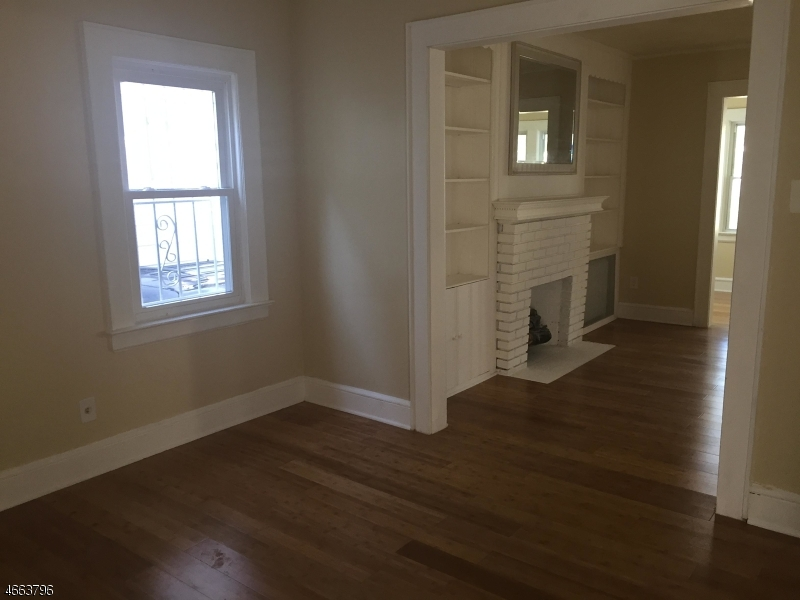 Additional photo for property listing at 15 Wills Place  Irvington, Нью-Джерси 07111 Соединенные Штаты