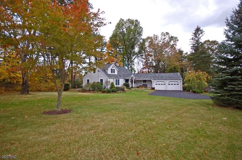 独户住宅 为 销售 在 1822 Ridge Road Martinsville, 新泽西州 08836 美国