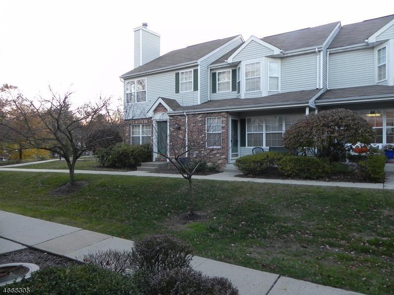 Частный односемейный дом для того Аренда на 1403 Appleton Way Whippany, Нью-Джерси 07981 Соединенные Штаты