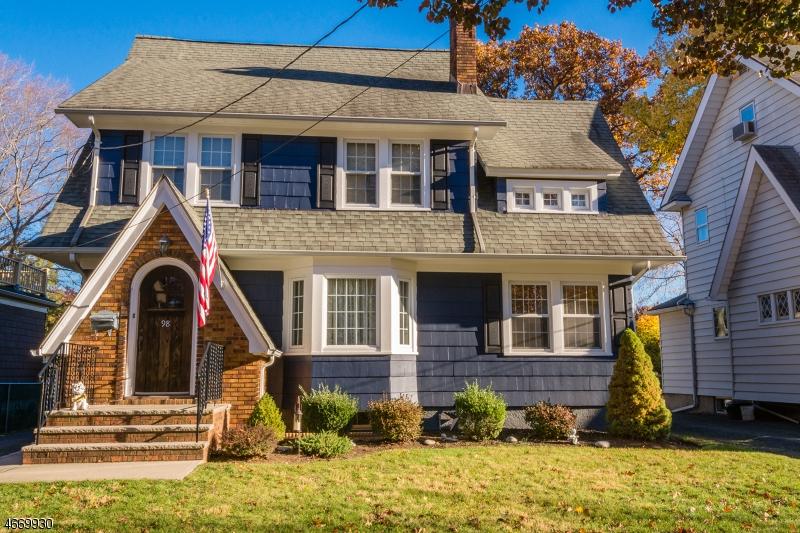 Частный односемейный дом для того Продажа на 98 Alexander Avenue Nutley, 07110 Соединенные Штаты