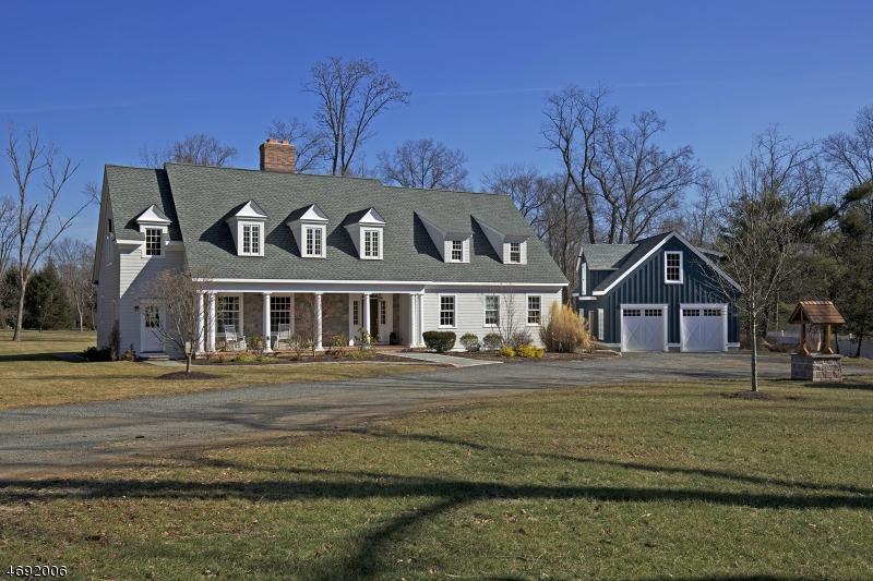 独户住宅 为 销售 在 105 Childs Road 巴思金里奇, 07920 美国