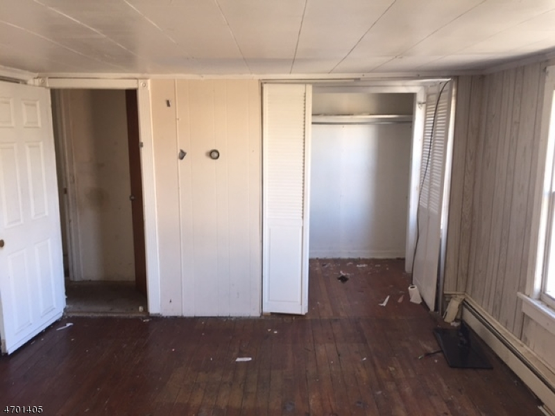 Additional photo for property listing at 418 Mechanic Street  Perth Amboy, New Jersey 08861 États-Unis