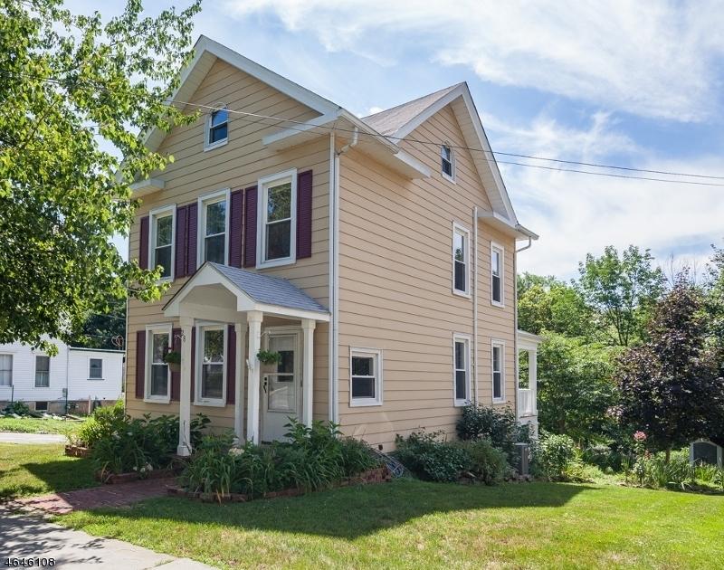独户住宅 为 销售 在 28 Church Street High Bridge, 新泽西州 08829 美国