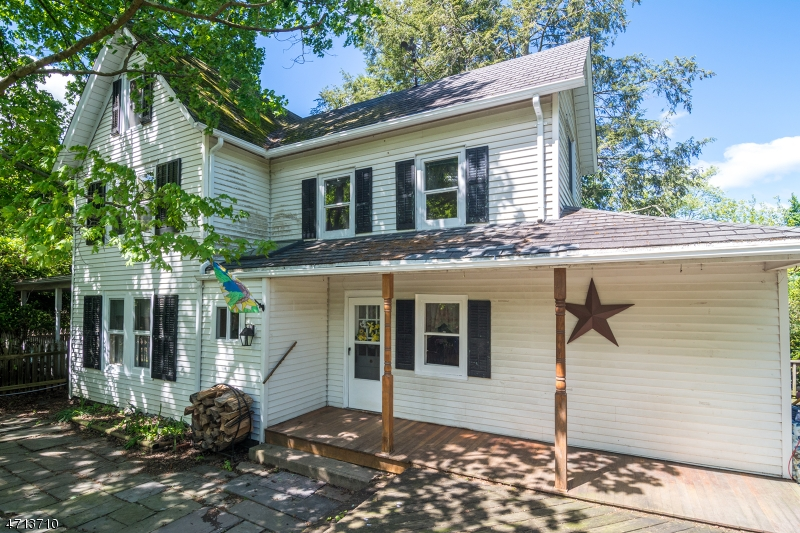 Частный односемейный дом для того Продажа на 113 Wertsville Road East Amwell, 08551 Соединенные Штаты