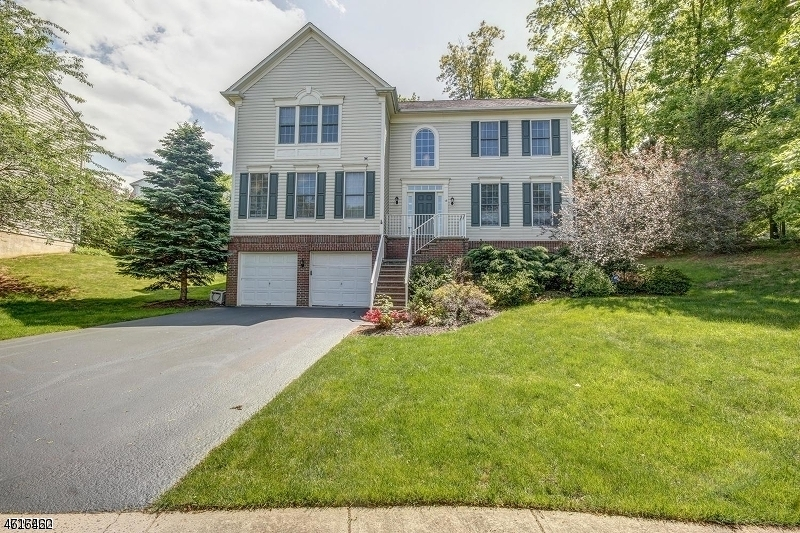 Single Family Home for Rent at 18 Bedford Drive Basking Ridge, New Jersey 07920 United States