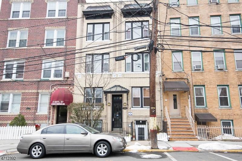 Частный односемейный дом для того Продажа на 23 66th Street 23 66th Street West New York, Нью-Джерси 07093 Соединенные Штаты