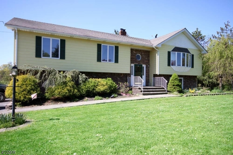 Single Family Home for Sale at 19 Compton Road Wantage, 07461 United States