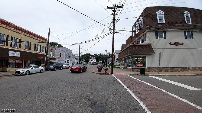 Additional photo for property listing at 1 Maple Avenue  Netcong, 新泽西州 07857 美国