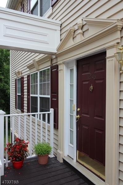 Nhà ở một gia đình vì Bán tại 1216 Magnolia Lane Branchburg, New Jersey 08876 Hoa Kỳ