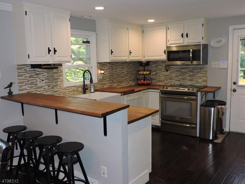 Casa Unifamiliar por un Alquiler en 232 Overlook Road Hampton, Nueva Jersey 07860 Estados Unidos