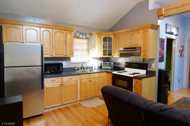 Casa Unifamiliar por un Alquiler en 35 Coolidge Trail Hopatcong, Nueva Jersey 07843 Estados Unidos