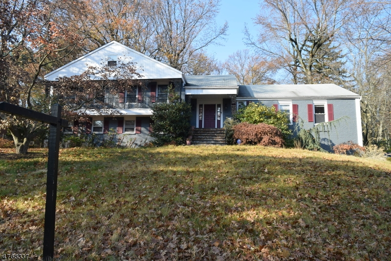 Частный односемейный дом для того Продажа на Address Not Available South Orange, Нью-Джерси 07079 Соединенные Штаты