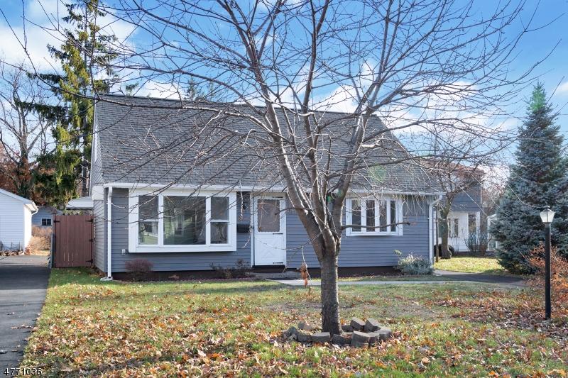 Maison unifamiliale pour l Vente à 473 Riverside Avenue Rutherford, New Jersey 07070 États-Unis