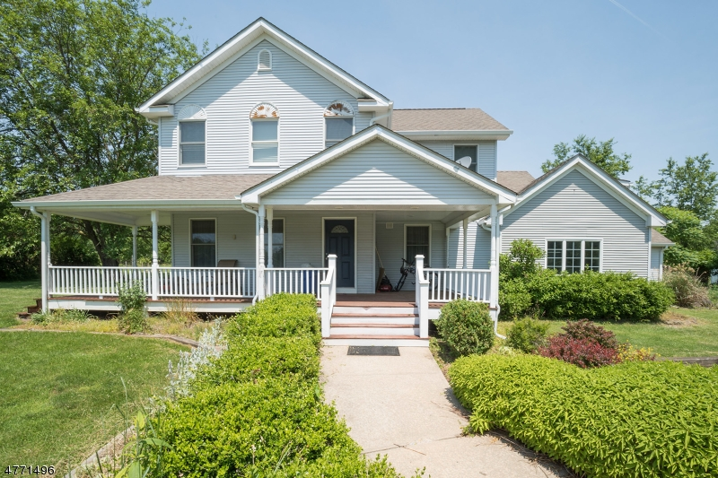 Single Family Home for Sale at 536 WOOLF Road Pittstown, New Jersey 08867 United States