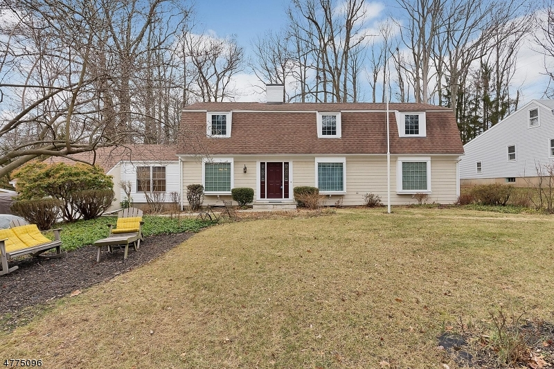 Single Family Home for Sale at 51 King Street Fanwood, New Jersey 07023 United States